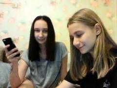 teen-12jessica-flashing-pussy-on-live-webcam