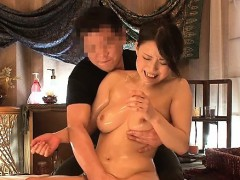 japanese-beauty-gives-a-masterful-orall-service-to-a-lad