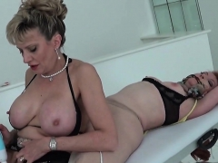 Cheating English Milf Gill Ellis Reveals Her Gigantic Jugs02