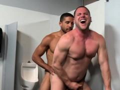 mike-maverick-fucks-with-hans-berlin-in-a-glory-hole-room