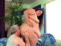 fatty-lorelai-givemore-gets-sensual-massage