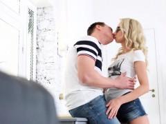 Casual Teen Sex - TD BambiGal cumsprayed on a first date