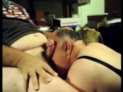 daddys-bears-blowjob-live-at-cruisingcams-com