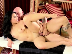 asian-cindy-gives-an-extra-fuck-service