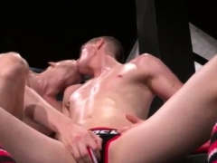 gay-leather-fist-men-first-time-axel-abysse-and-matt