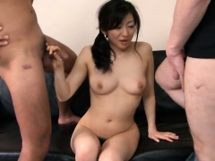 hot-milf-threesome-with-facial