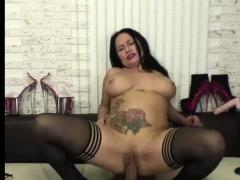 flirtatious-milf-camslut-fucks-herself-with-sex-toys