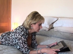 cheating-english-mature-lady-sonia-pops-out-her-huge-hooters