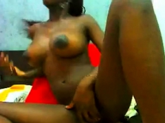amazing-black-teen-show-all-on-webcam