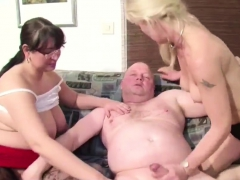 german-seduce-two-hot-milfs-fuck-her-snapchat-miaxxse