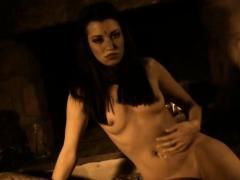 beautiful-brunette-girlfriend-posing-nude