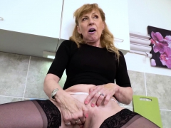 europemature-hot-mature-milf-solo-masturbation