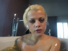 nadia-takes-a-bath-with-some-rubber-duckies