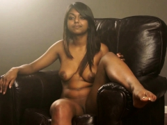 Juicy Pussy Indian Babe Gauri Xxx Modelling In Lounge On