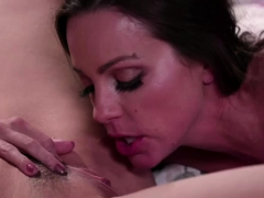 abigail-mac-loves-to-lick-out-sarahs-wet-pussy