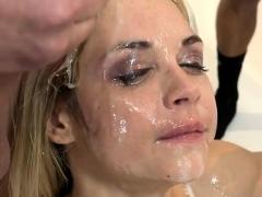 hot-pornstar-bukkake-and-facial