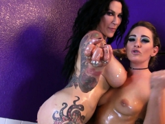 hot-lesbian-oil-session-in-the-bathtub