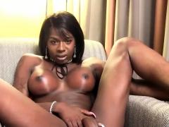 Ebony Ts Babe Pleasing Herself