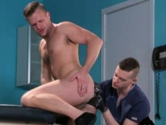 Gay Guys Into Fisting First Time Brian Bonds Stops In To