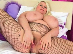 Scottish Milf Toni Lace Gets Caught Masturbating
