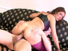 Hot babe Cleo in hot sex session