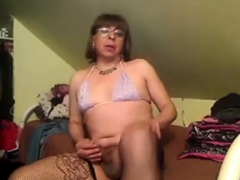 solo-shemale-amateur-in-lingerie-tugs-her-thick-cock