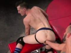 Gay Porn Bareback Sub Hump Pig, Axel Abysse Crawls On