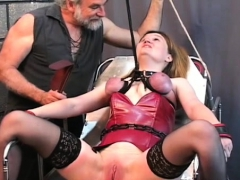 Fellow Plays Harsh On Babe's Pussy In Extraordinary Slavery
