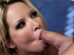 blonde-devours-a-cock-before-she-s-fucked
