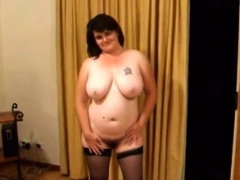 a-very-sexy-mom-with-huge-boobs-and-her-cute-bush