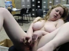 huge-boobs-amateur-blonde-babe-pussy-stuffed-for-a-free-fare