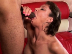 amateur-hottie-sucking-and-getting-fucked-hard