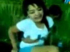 indonesia-bokep-grepe-digubug-rame2