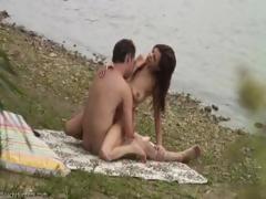 voyeur-caught-teen-couple-fucking-at-the-beach