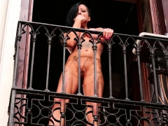public-squirting-in-spain