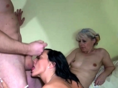 old-blonde-fucking-in-ffm-threesome
