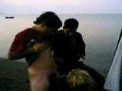 arab-slut-suck-horny-guys-on-the-beach