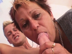 Well-shaped Stud Bangs Her Shaved Old Pussy