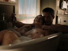 judy-greer-shows-her-wet-tits-in-the-tub