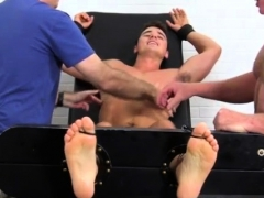 do-gay-men-put-toes-up-ass-and-male-feet-hypnosis-matthew