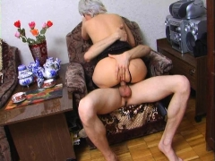 blonde-18yo-russian-alice-gives-blowjob