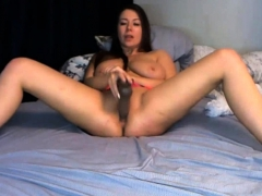 a-bisexual-babe-who-loves-pleasures-gets-live