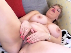 busty-jen-pleases-her-wet-cunt