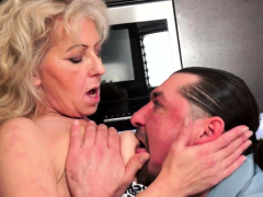 mature-euro-amateur-pussylicked-and-fucked