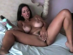 very hot cougar masterbates for your enjoyment.
