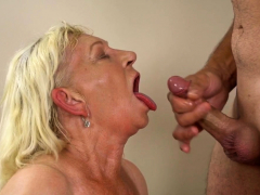 granny-gets-licked-out