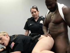 milf-cops-make-suspect-drill-her-cunt-while-being-questioned