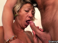 he-fuck-cleaning-mature-woman-after-hangover
