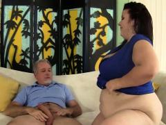 Mature Plumper Lady Lynn Gets Pummeled