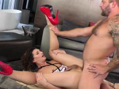 Trans Babe Alyssa Etain Sucked And Bareback Anal Rides Cock